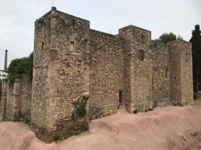 Castell- Cartuja de San Jaime- Masía de Valparadís.